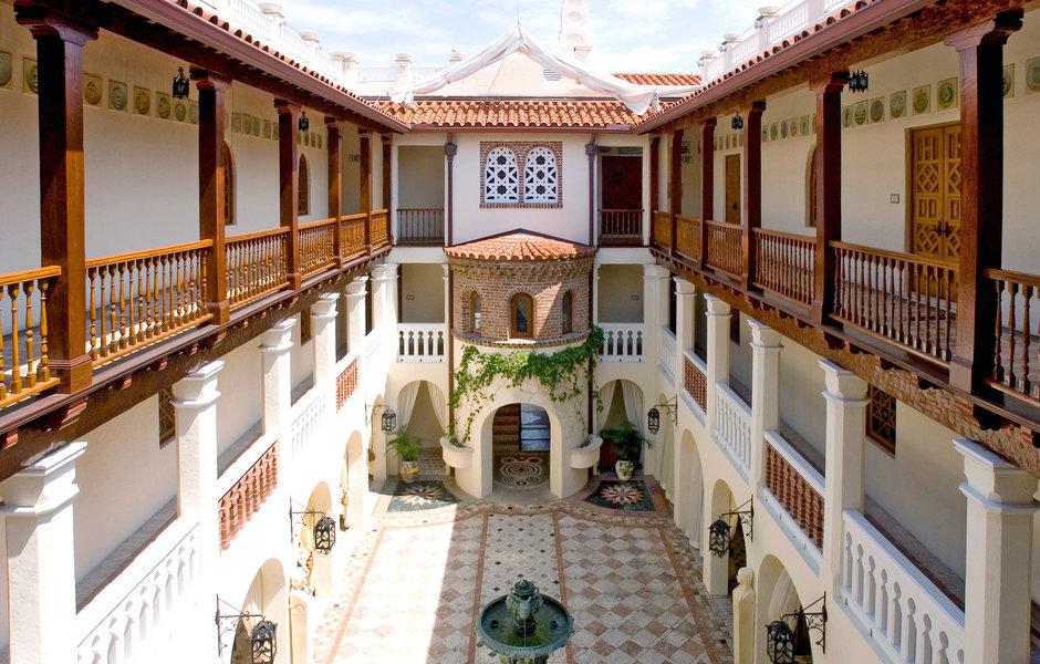Casa Casuarina