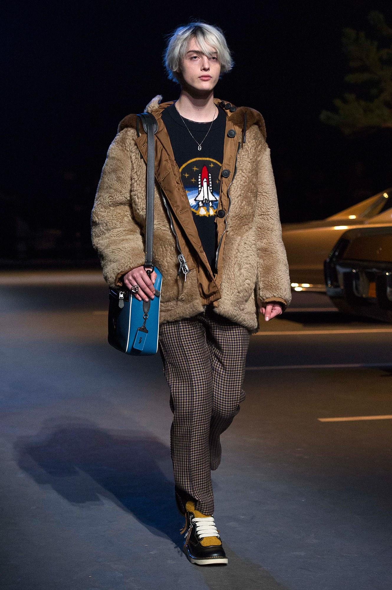 08-coach-menswear-fall-womenswear-pre-fall-2017.jpg