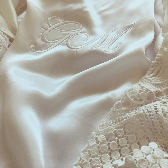 • You can now personalise our robes with elegant embroidery • Whether it's 'Bride', 'Bridesmaid', your initials or anything else we can have the robes embroidered and posted to you promptly • Only $20 per embroidery • Comment 'want' below and we'll send you the discount code •