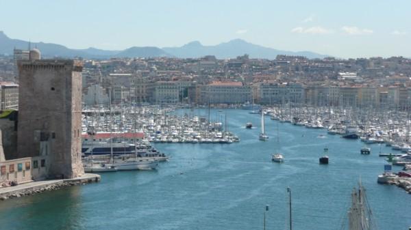 Vue du vieux port de Marseille depuis le Pharo.jpg