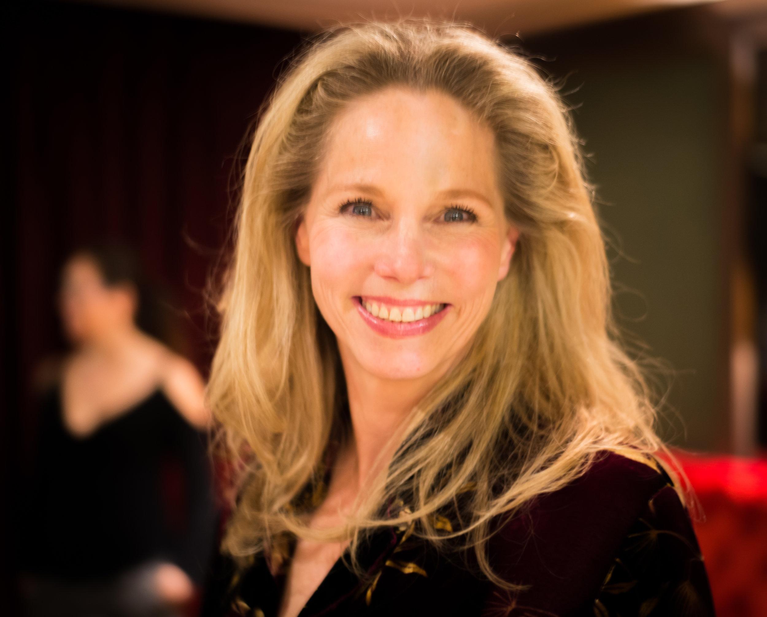 Laura Profile Pic.jpg
