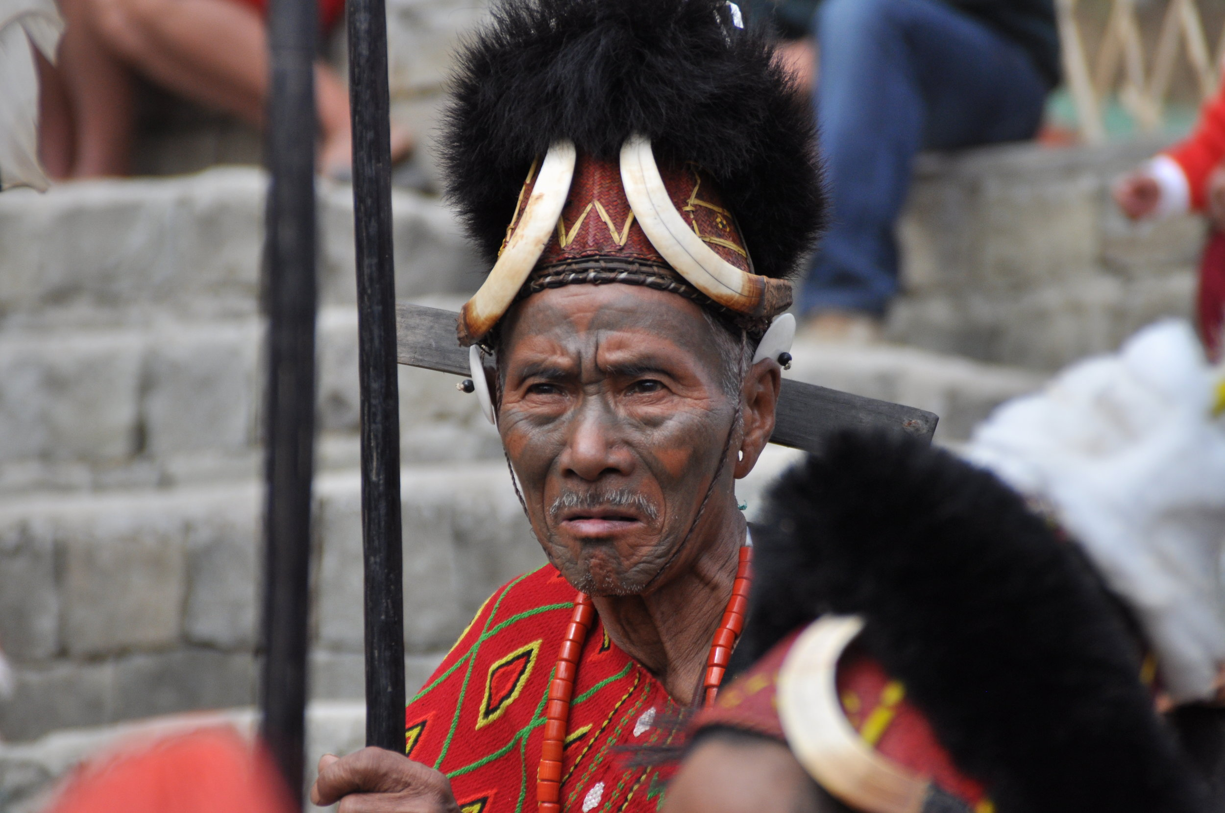 Ein Konyak Krieger auf dem Hornbill Festival-Kohima Nagaland  Indien.JPG