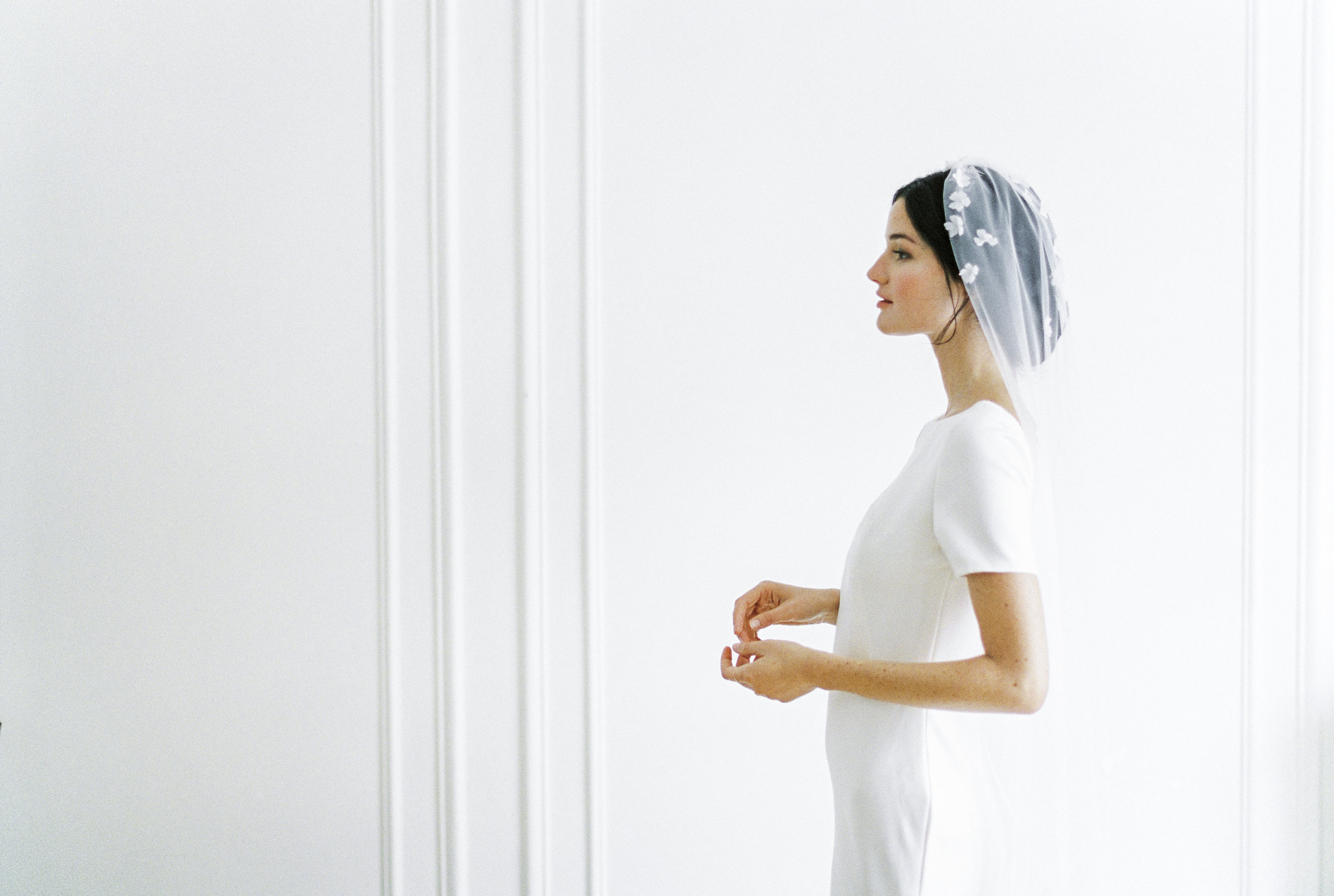 VEILS - To complete your look…