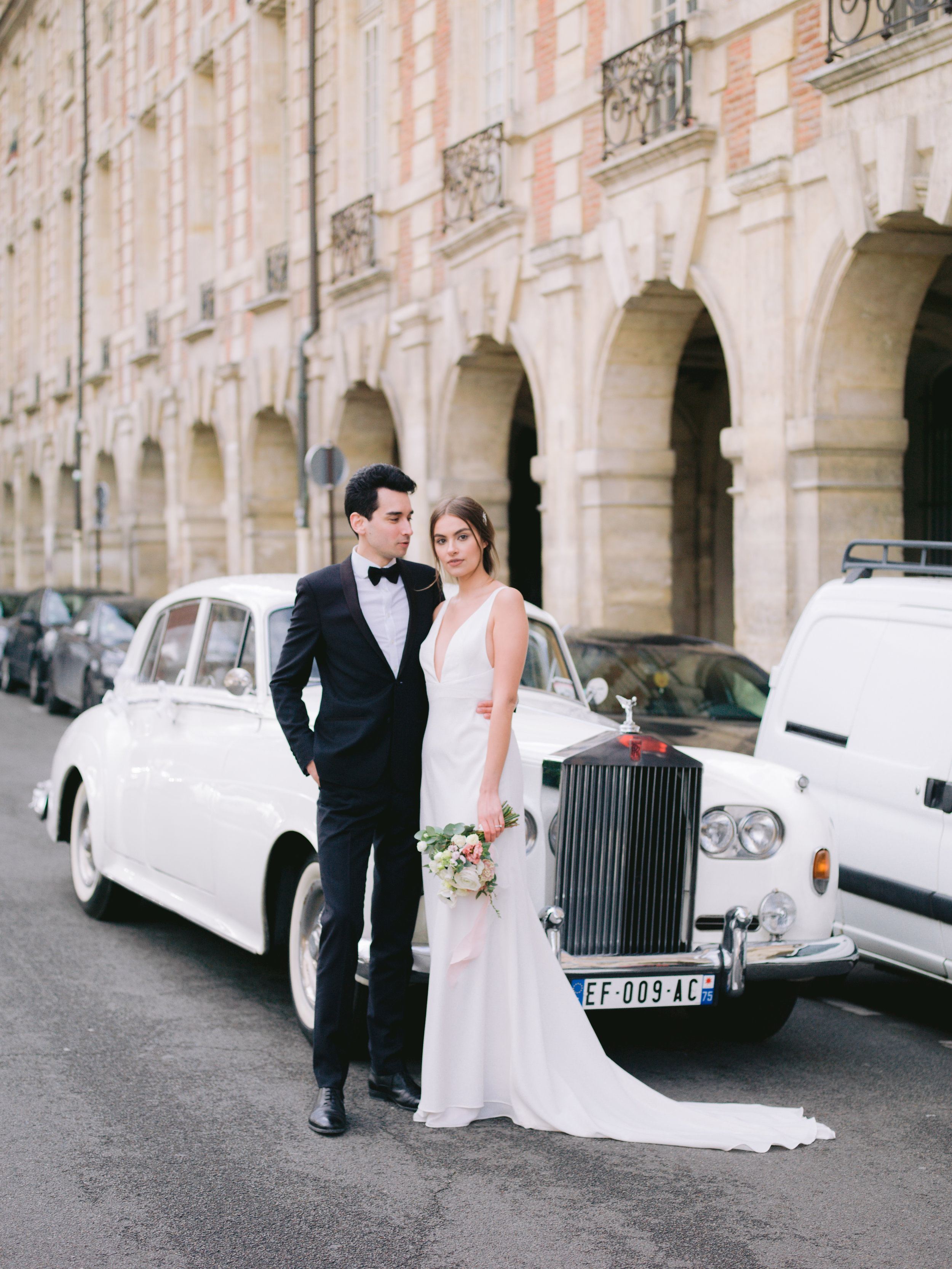 O & C ~ Elegant and Classy engagement in the city of light, Paris
