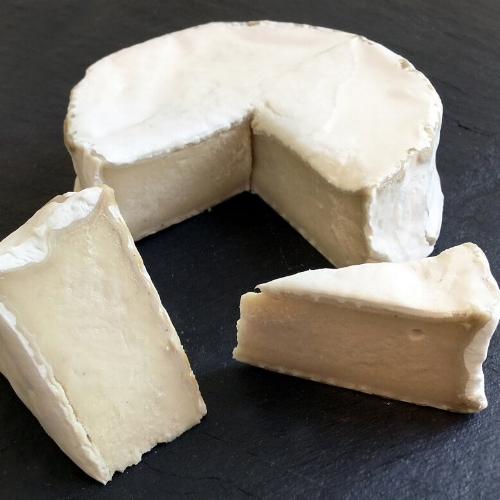BEST DAIRY-FREE CHEESE - Mouse's Favourite Camembert StyleMouse's Favourite specialises in artisanal, handmade cheese, and the Camembert Style is sensational.