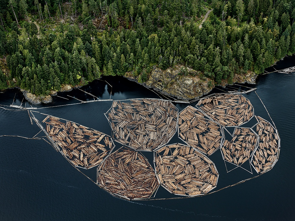 Log Booms #1, Vancouver Island, British Columbia, Canada 2016. Photo © Edward Burtynsky, courtesy Flowers Gallery, London / Nicholas Metivier Gallery, Toronto