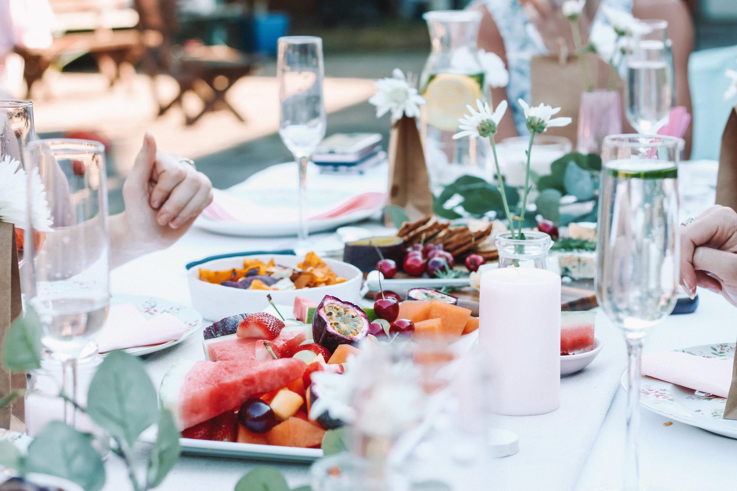 Lunch + Dinner Hours at Lake Oconee