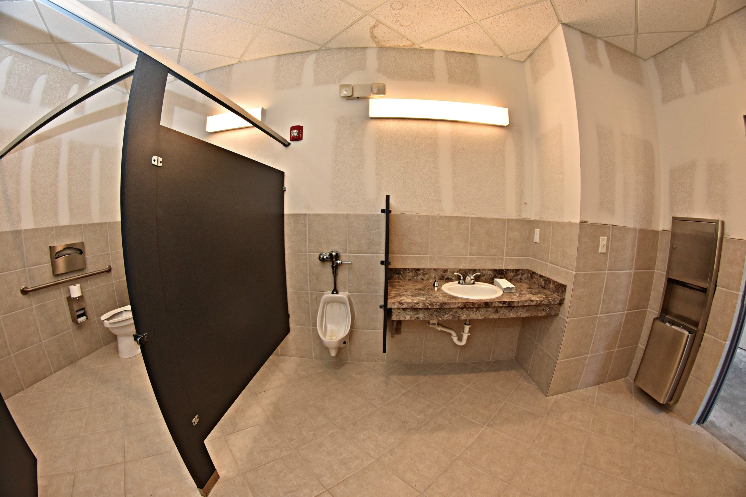 21519 US M Bathroom.jpg