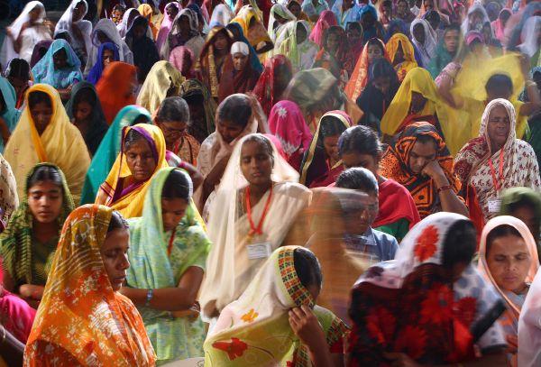 indian.worshippers.jpg