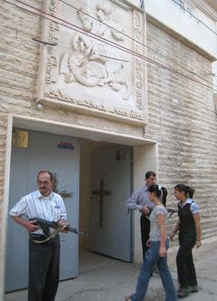 iraq_church_guard.JPG