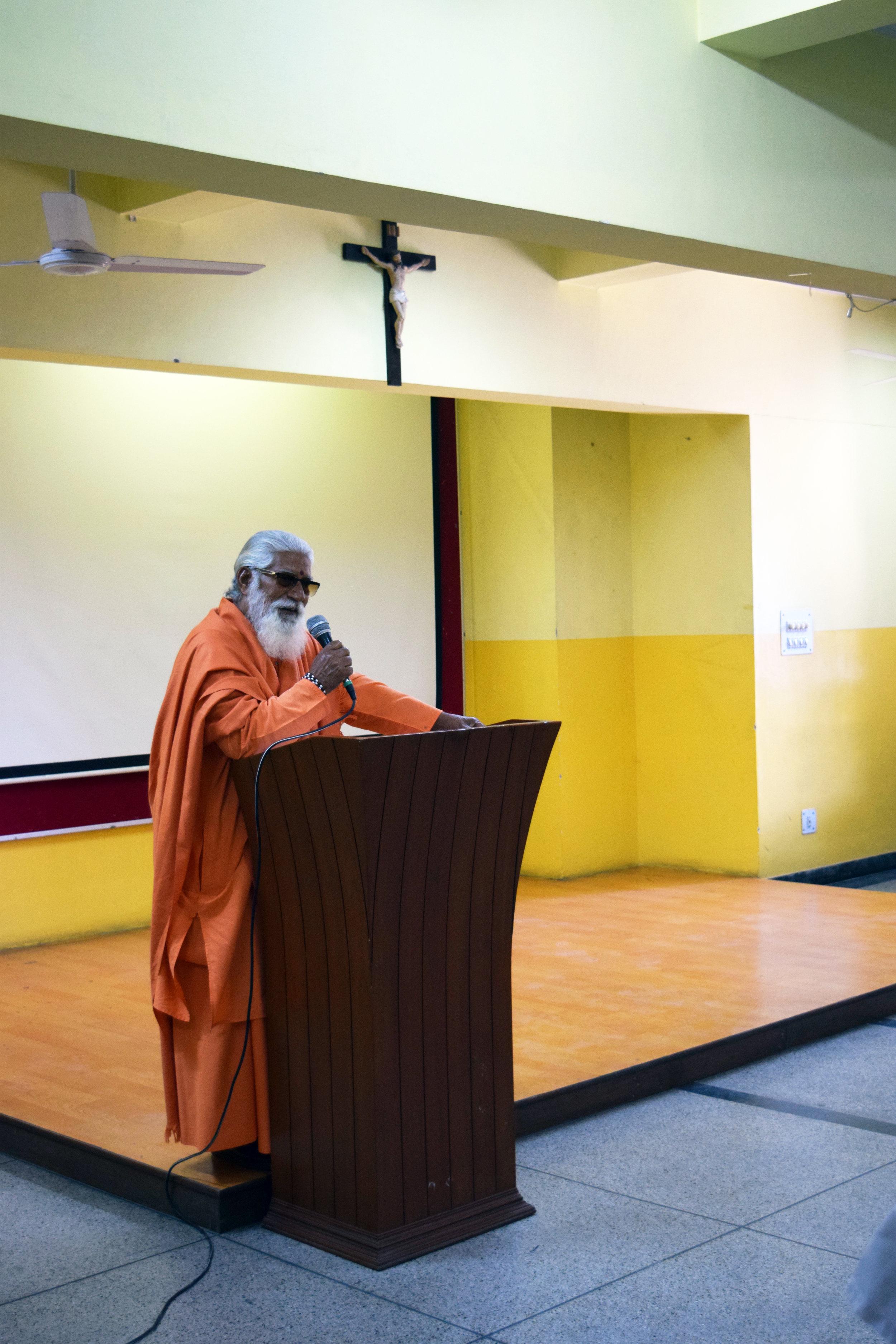 Acharya Sushil Goswami Maharaj.JPG