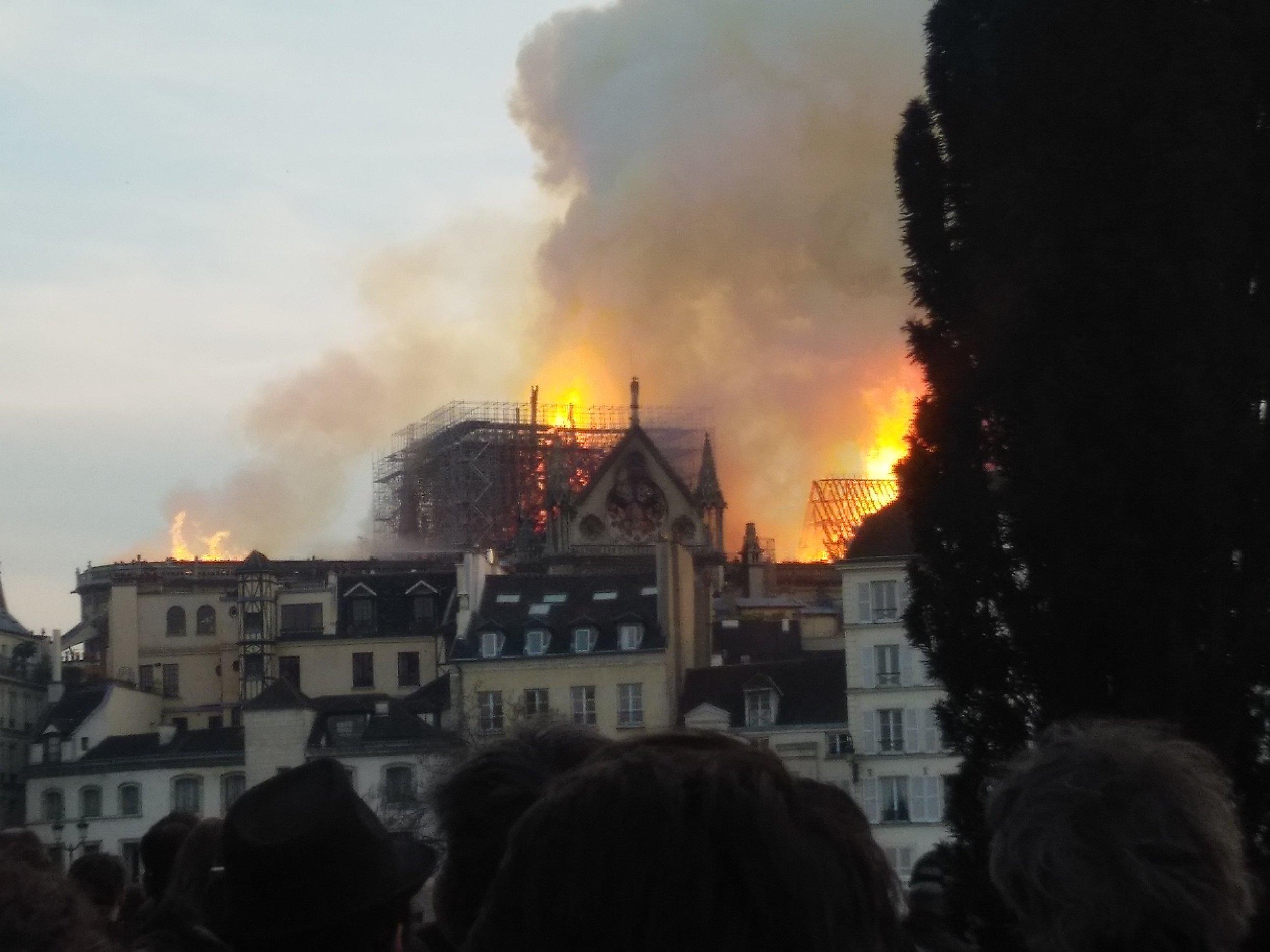 Incendie_de_Notre-Dame-de-Paris_15_avril_2019_11.jpg