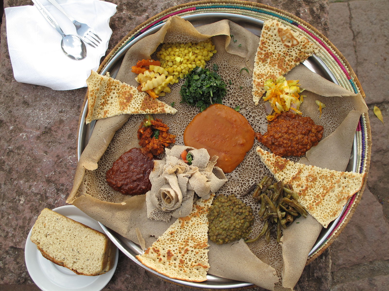 A typical Ethiopian meal during the Easter fasting period. Photo by Maurice Chédel.