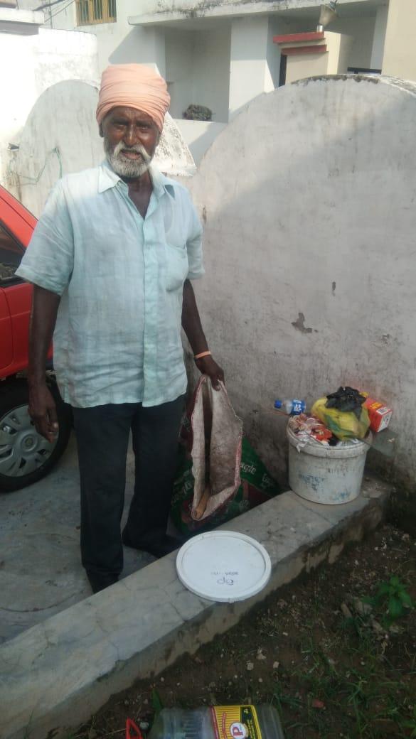 Milki Singh, a Sikh man who clears garbage in Jammu as his livelihood. Photo by Taha Zahoor.