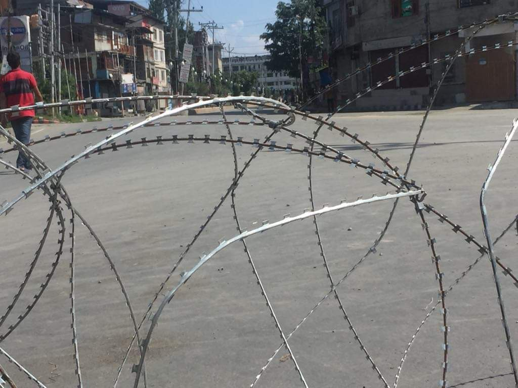 Kashmir has been on lockdown since Aug. 5, without access to mobile networks or Internet and limited access to landline phones after two weeks. A strict curfew and roadblocks are enforced to limit travel. Photo by Taha Zahoor.