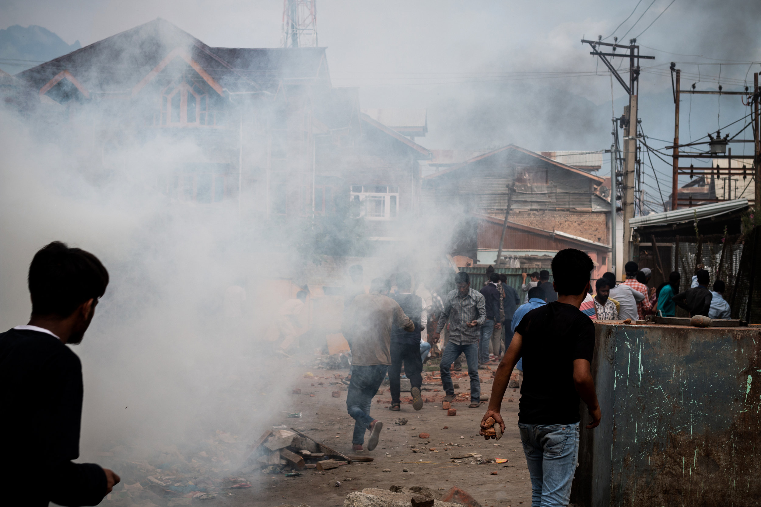 The fight between the forces and the protestors became very intense as time passed. Many protestors were injured by the pellet guns, and tear gas shells, used by the security forces. Photo by Avinash Giri.