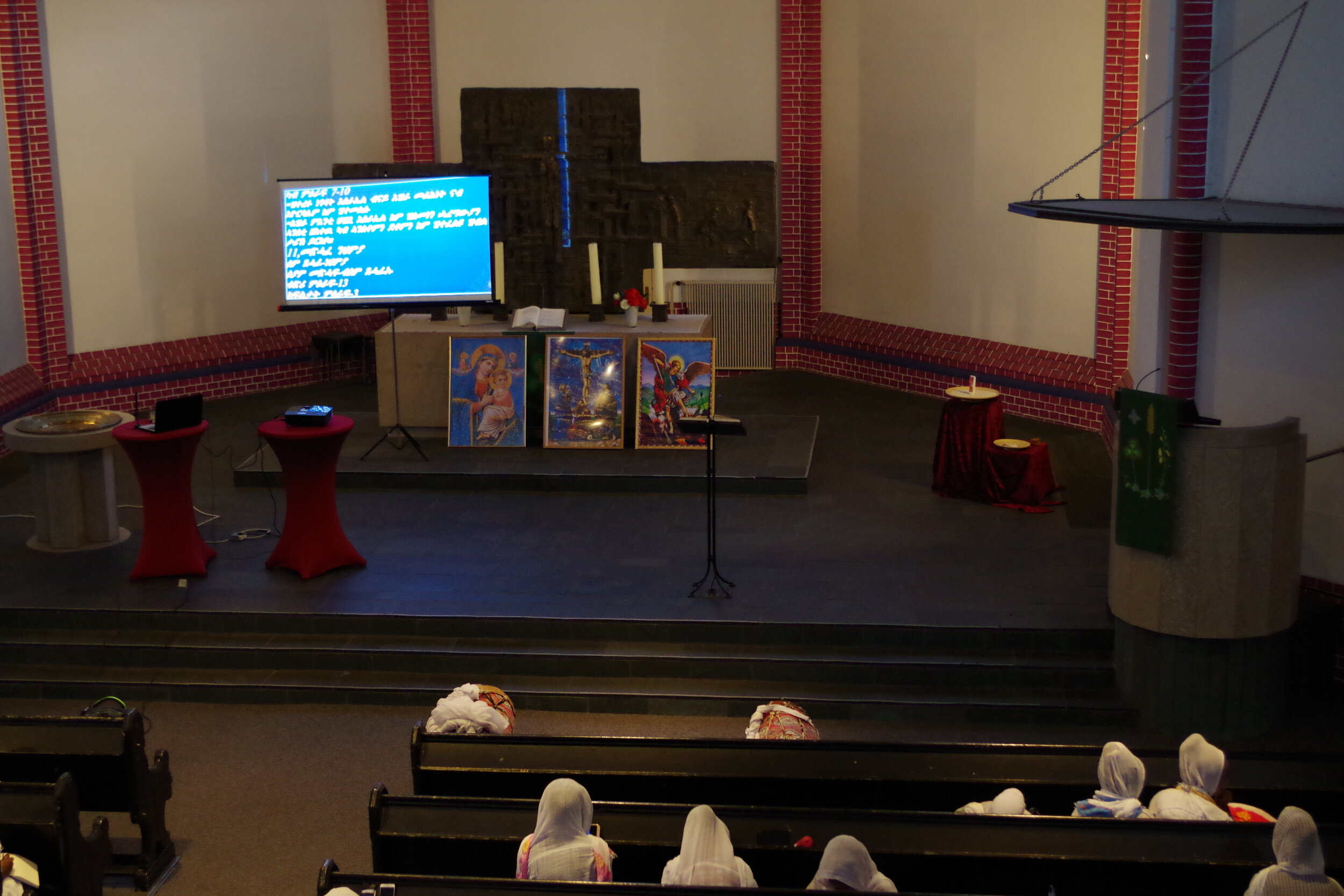 altar eritrean orthodox.JPG