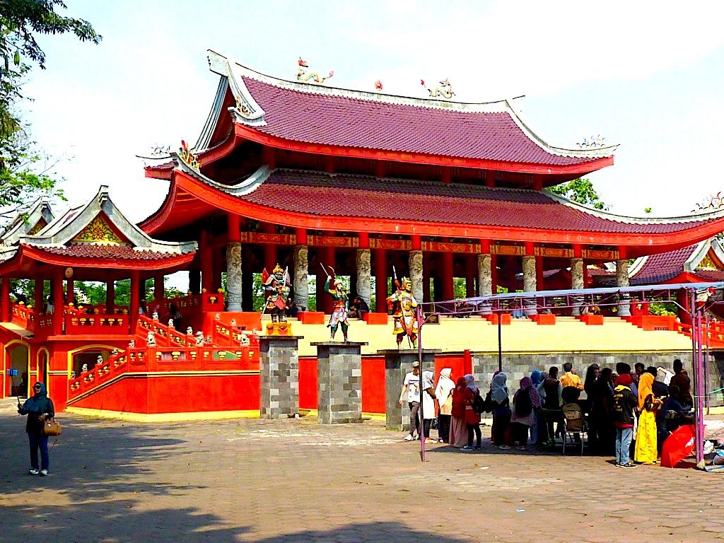 Sam Poo Kong temple. Photo by Paul Marshall.