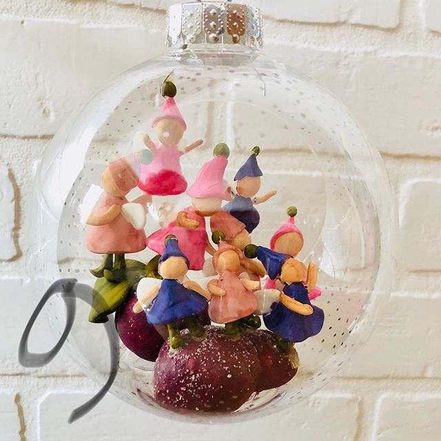 9 Ladies Dancing! 💃💃💃💃💃💃💃💃💃 #12daysofchristmas #9ladiesdancing #ornaments #christmasdecorations