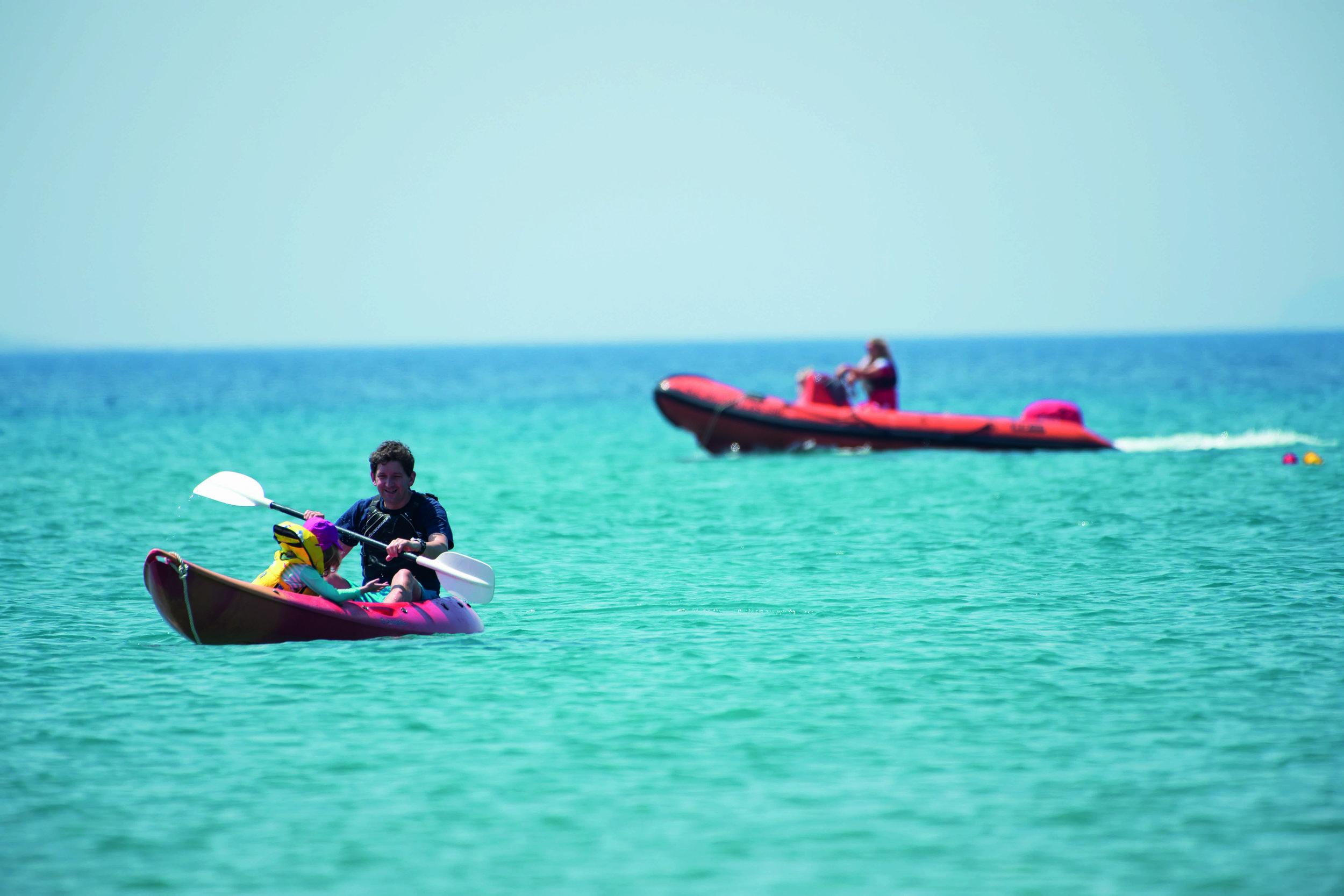 Family_kayaking.jpeg