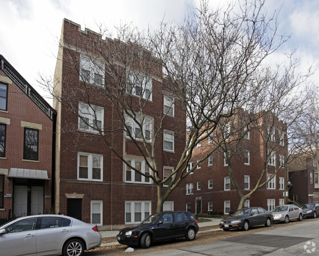 3244 North Clifton