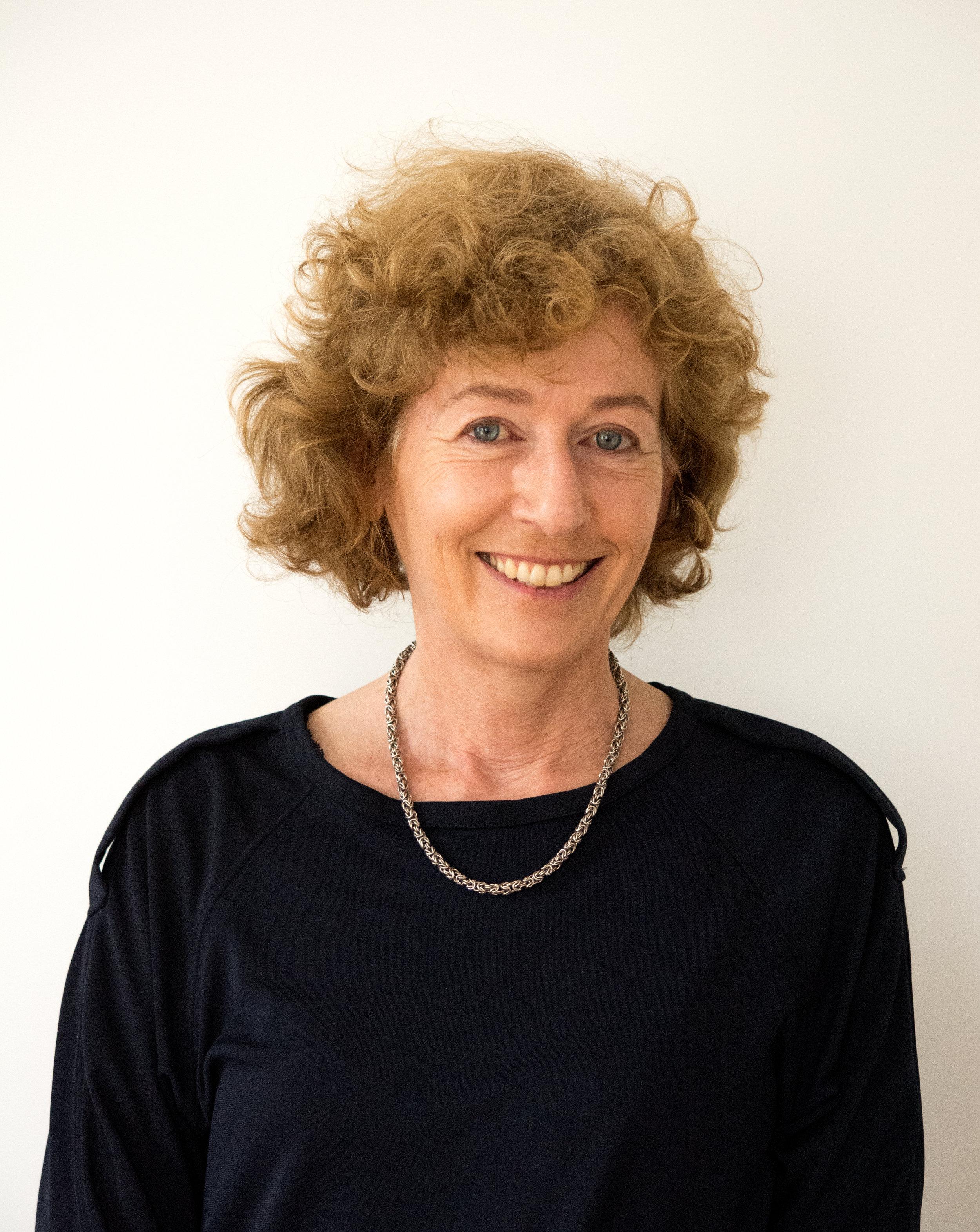 Dr. Ursula Leissing