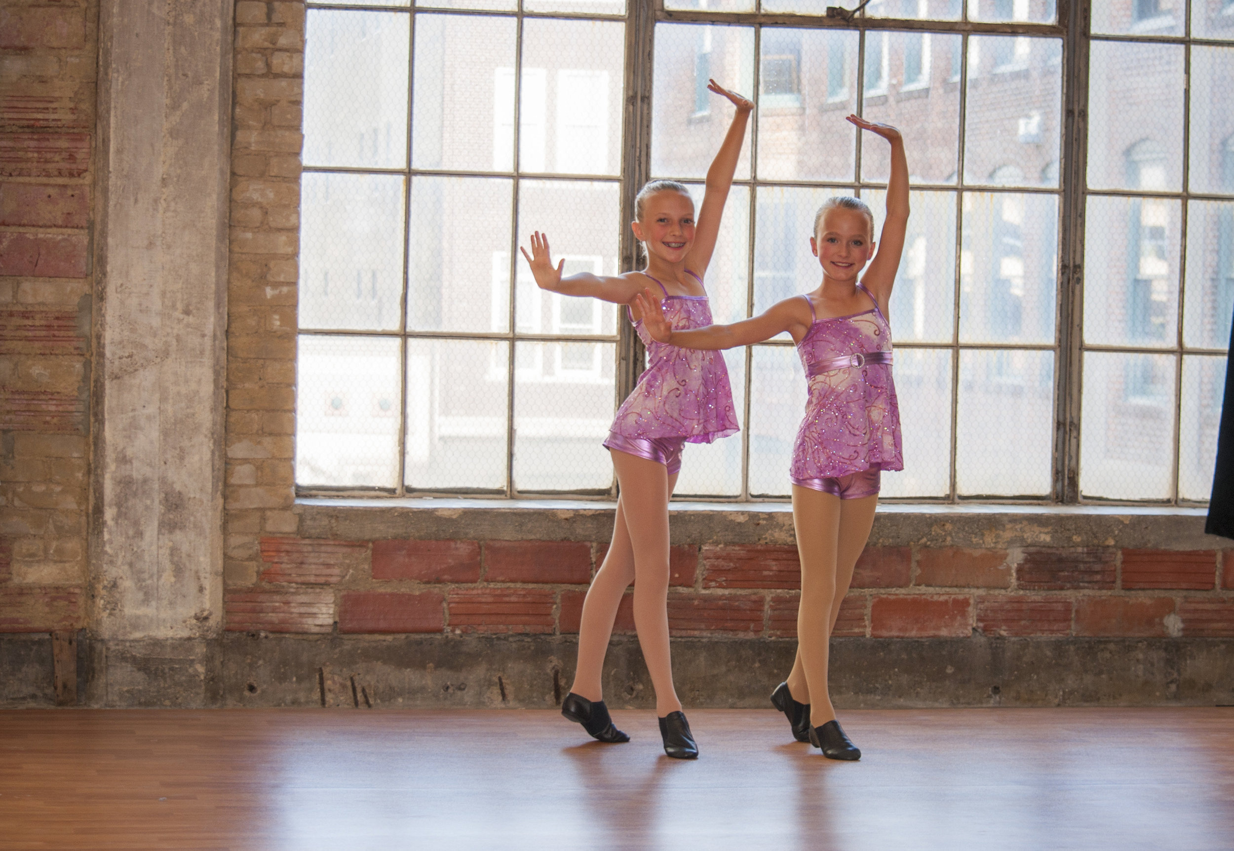 JAZZ - Learn to turn, leap and move to the rhythms of many musical styles in Jazz. Dance Gallery not only has classes for all levels of ability, Dance Gallery has two award winning Jazz teams that perform and compete throughout the school year. The technique used for this class is based from jazz great, Gus Giordano of Chicago, as well as other techniques. This training will develop strong, yet flexible dancers. The styles in a jazz class may include hip-hop to lyrical. Students enrolled in this class will find it easier to accomplish the combinations if enrolled in the ballet program.