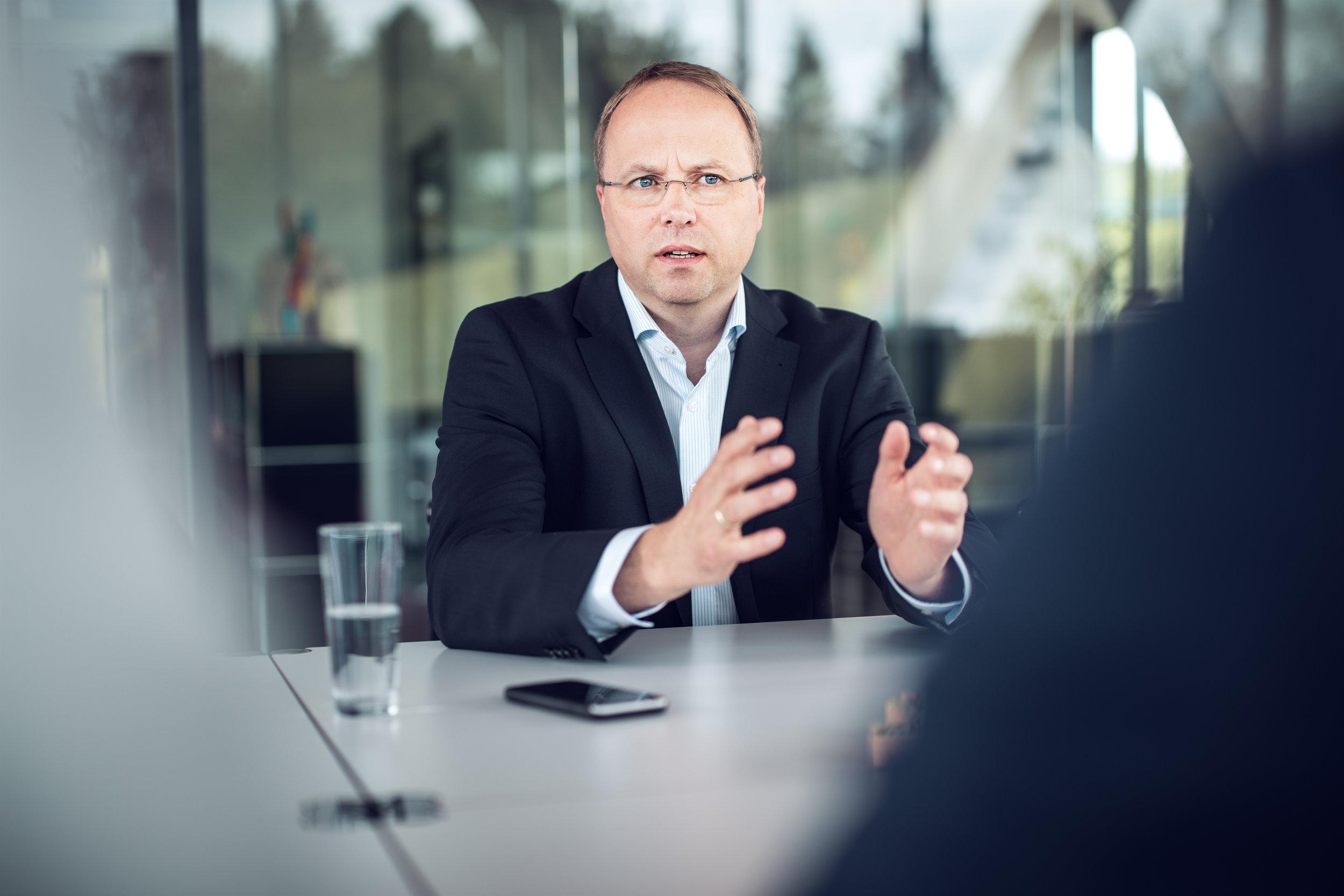 Geschäftsführer Hans-Jürgen von Glasenapp im Gespräch