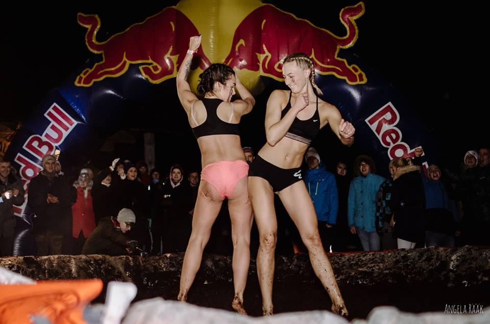 Fight ladies mud MUD WRESTLING