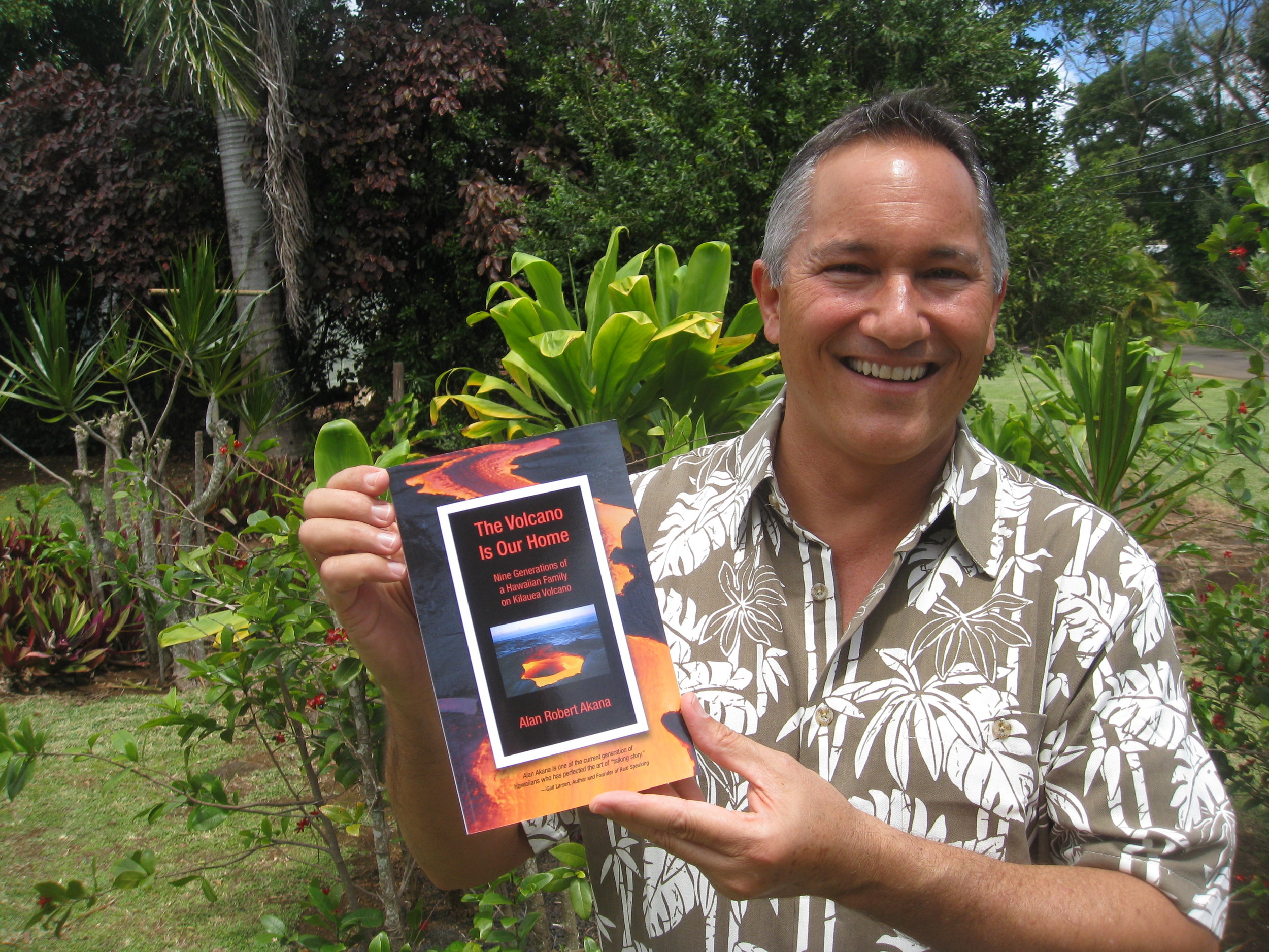 IMG_Alan and book 2.jpg