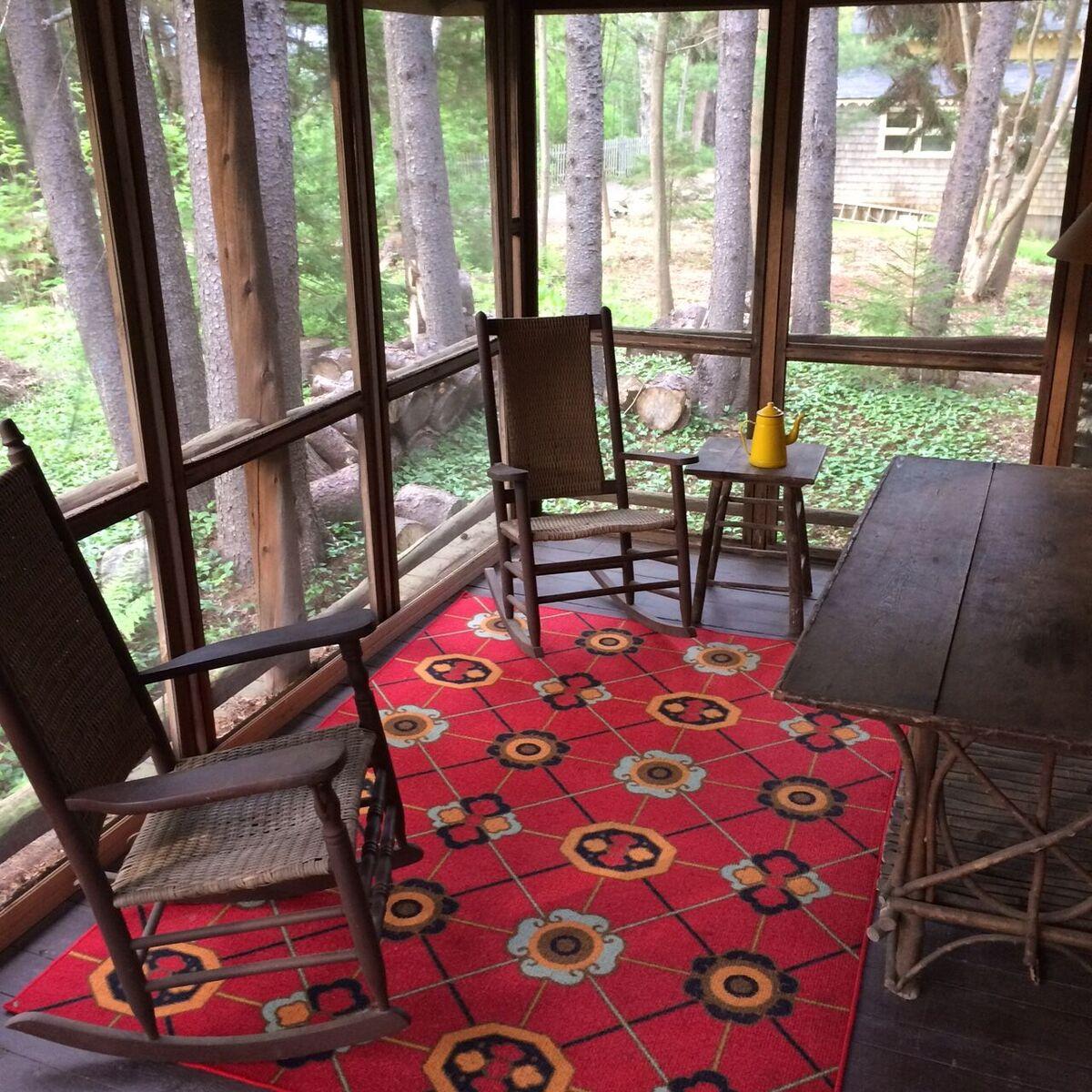 Guest porch 3.JPG