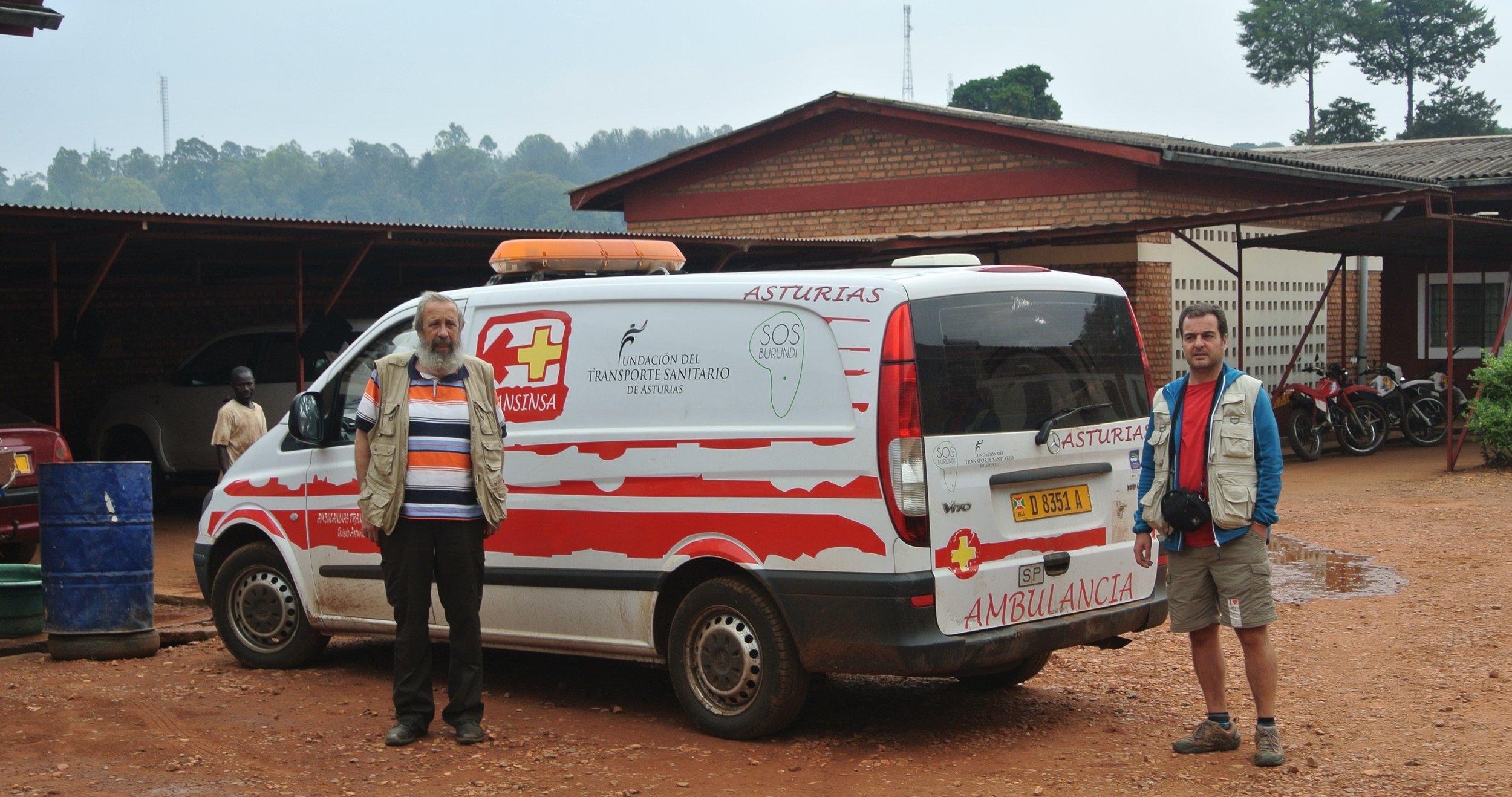 La ambulancia donada por la Fundación del Transporte Sanitario de Asturias.JPG
