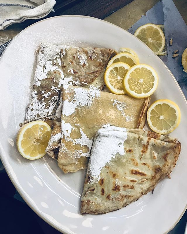 The final result 💛 (presentation was never my strong point) You can't go wrong with lemon and sugar right?  What's your fave pancake topping?  #PancakeDay #JamieOliverHQ