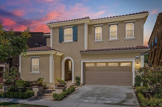💥💵Lowest price per square foot home in Baker Ranch 👉🏻 21 Hollyhock, Lake Forest, CA ☝🏻 Link in Bio for details 🏡 Open House Sat&Sun 10/5-10/6 from 1-4pm #bakerranch #bakerranchlife #irvinerealestate #irvine #newconstruction #newlisting #openhouse #DavarAndCo #EnjoyOC #milliondollarlisting #yourbakerranch