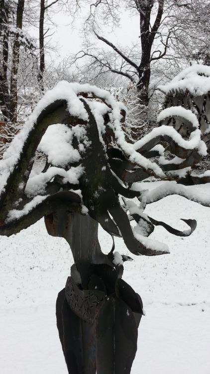 Sex-as-a-Weapon--Snow.jpg