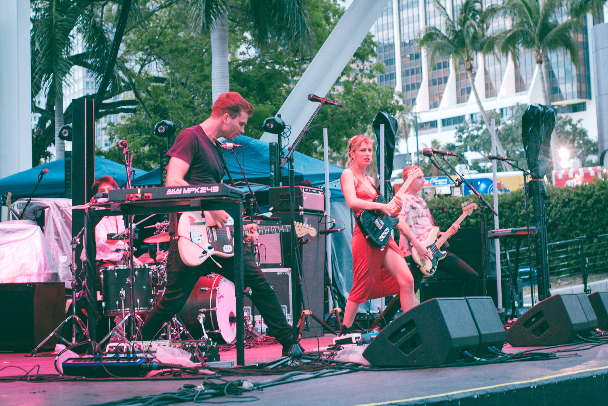 Wolf Alice (by Stephanie Estrada)