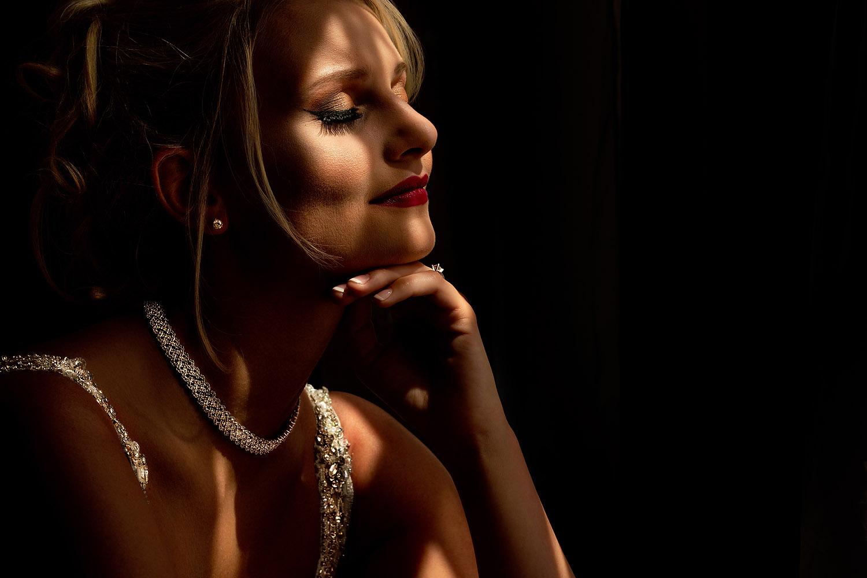 023dramatic-bridal-portraits.jpg