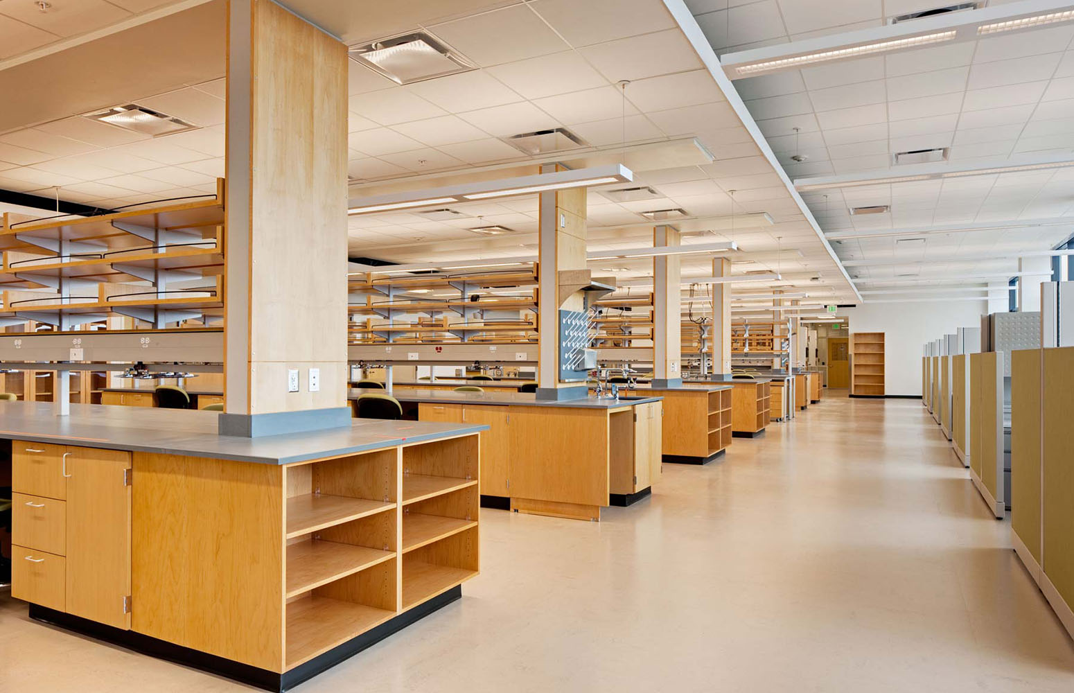 USTAR-Lab1a-min.jpg