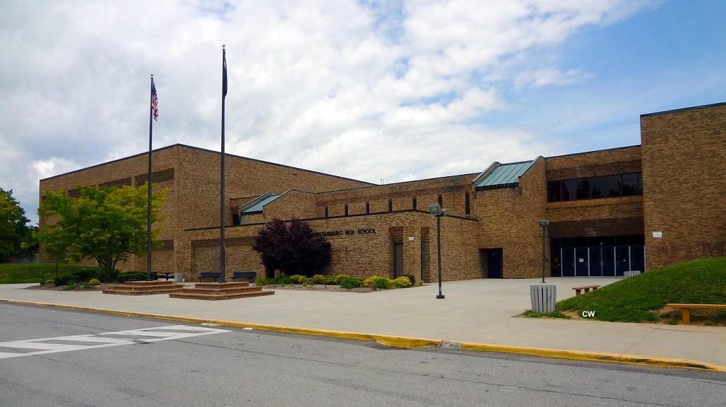 Christiansburg_High_school_Building.jpg