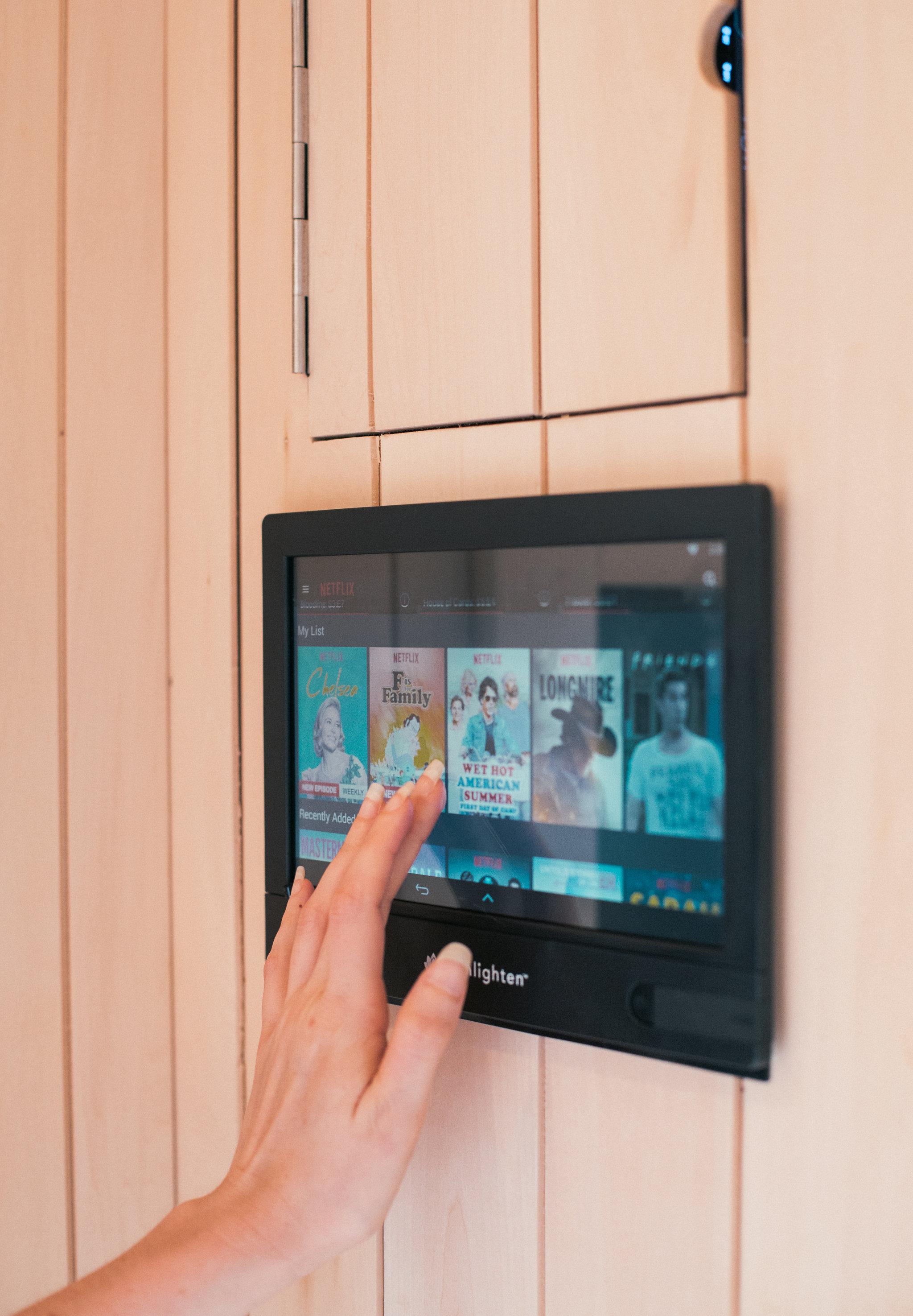Sauna Tablet - Netflix.jpg