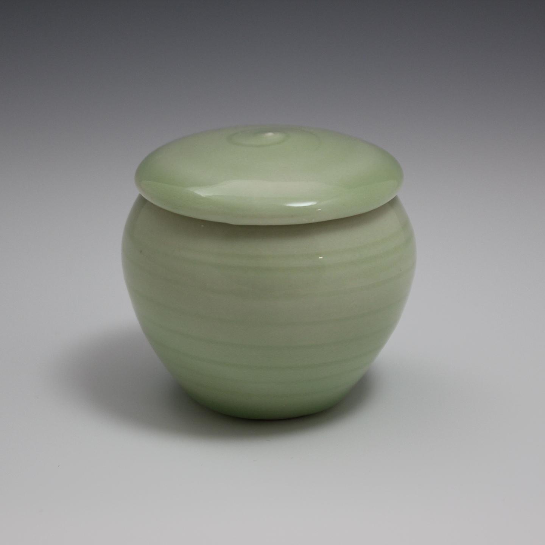 small-urn-1a.jpg