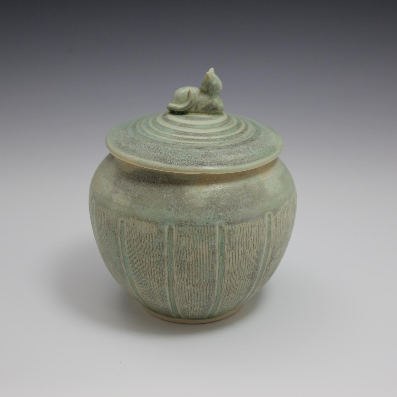 pet-urn-2a.jpg