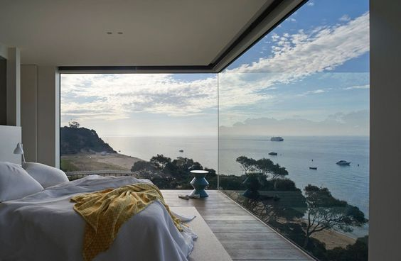bedroom dreaming.jpg