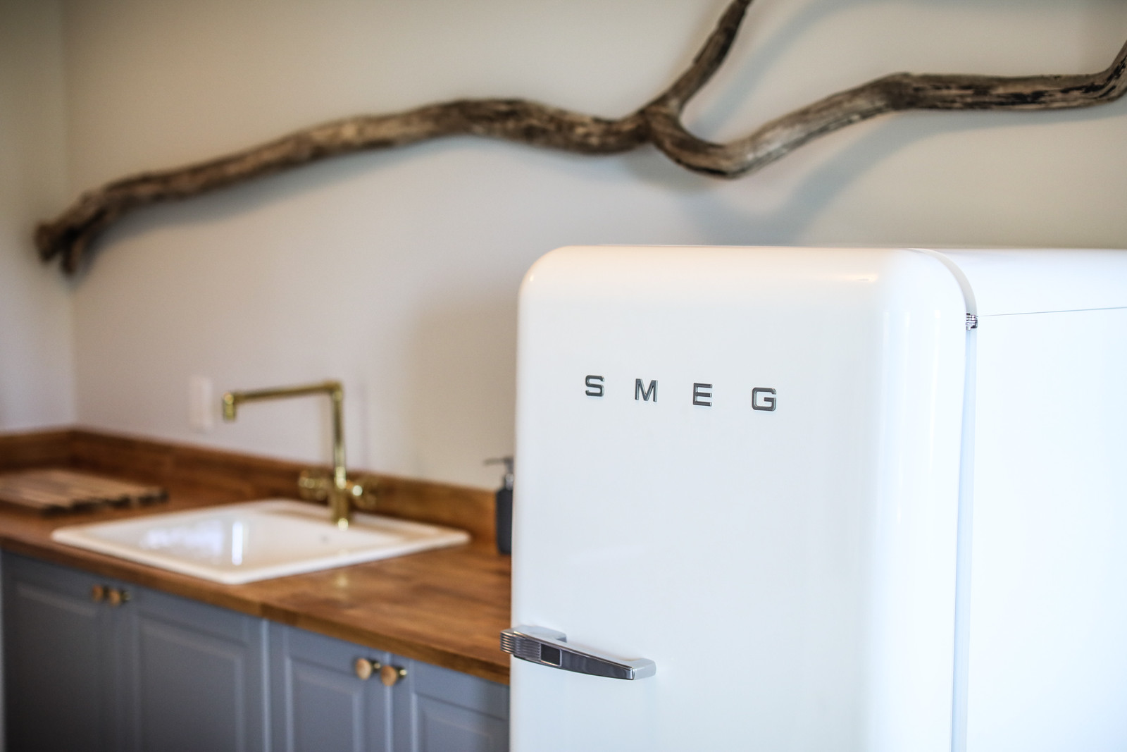 Smeg refrigerators, full kitchen, amenities, Long term stay, Corporate rental, Extended stay, Extended stay corporate housing
