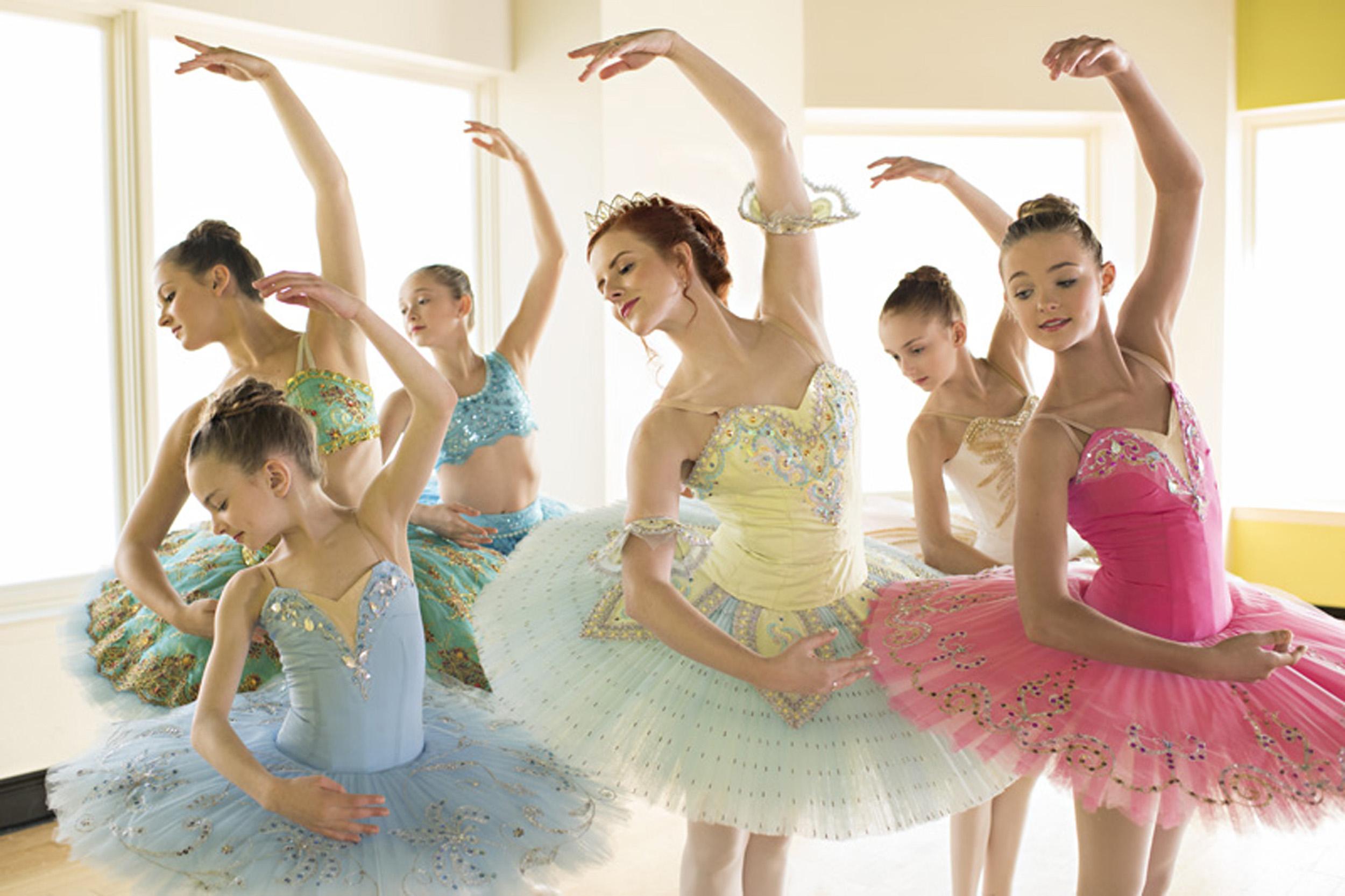 04_35mmlens_Ballerina4-064m.jpg