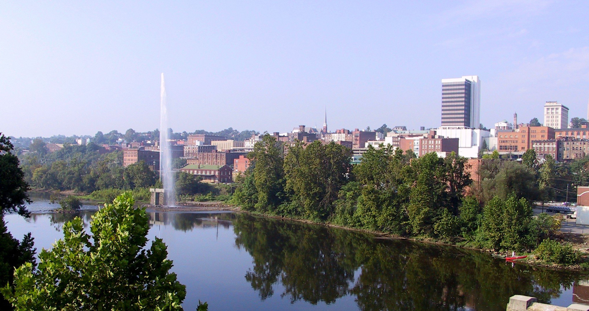 Lynchburg.pan.fountain.4.jpg