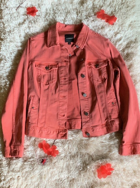 Could this be your new favorite jacket? Try on the $98 Liverpool Coral Denim Jacket next time you're in Venue and see for yourself!