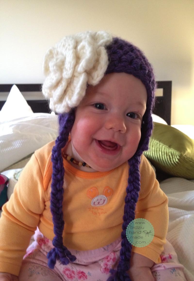 DIY crochet hat, crochet hat, stylish crochet hat, girls' crochet hat, purple hat, purple crochet hat, adorable crochet hat, crochet hat with flower, handmade crochet hat, bidziu handmade, bidziu hand made