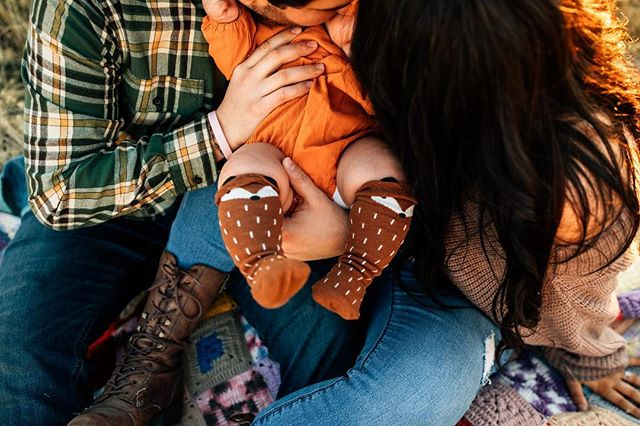 These little socks and rolly legs are to die for ❤️ . . #angelaminnickphotography . . #freckles #growbabygrow #boisephotographer #idahofamilyphotographer #boldemotionalcolorful #documentlife #cameramama #holdthemoments #clickinmoms #dearphotographer #thehonestlens #lookslikefilmkids #beyondthewanderlust #clickmagazine #storytellingmama #lightinspired #shootandshare #thefamilynarrative #utahbirthphotographer #thebloomforum #lemonadeandlenses #ig_motherhood #inbeautyandchaos #littlebellows #dailyparenting #dpmagfaves #idahobirthphotographer #utahphotographer #utahfamilyphotographer