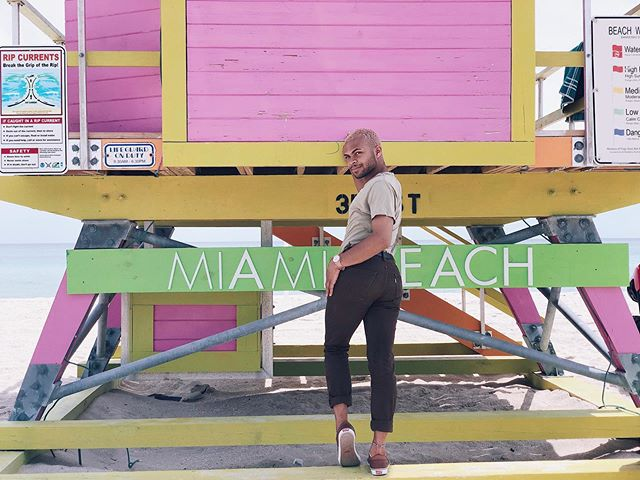 BOOTY! BOOTY! BOOTY! ✨ Okay... now that I've got your attention! 😂 Did y'all see that Miami vlog I published a few days ago? There was a lot of booze, boys, and somehow we ended up in some dude's BMW! ✨ It was definitely a trip for the books. For your dose of some homemade reality tv, check the link in my bio. 👏🏽✨
